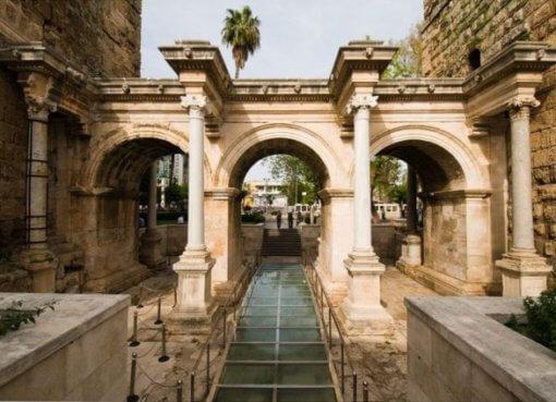 Ворота Адриана (Анталия, Турция)