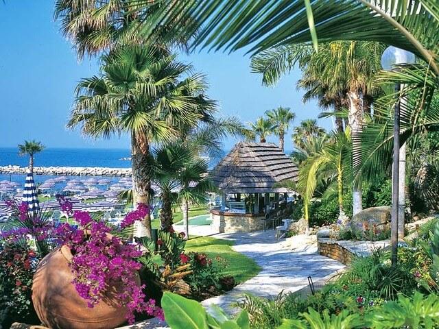Когда отдыхать на Кипре?