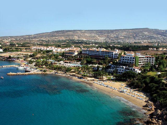 Подборка отелей Пафоса на первой линии от моря