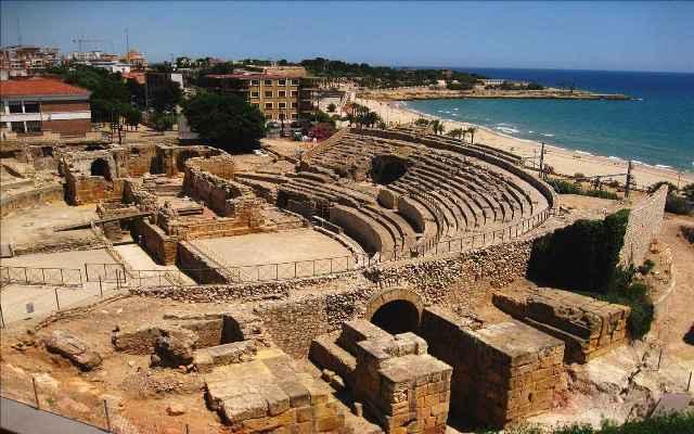 Амфитеатр в Таррагоне - одна из главных исторических достопримечательностей Коста Дорада