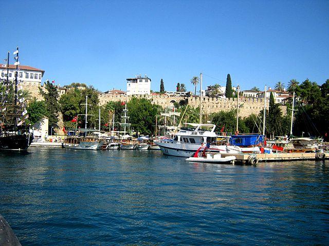 Анталья - пляжный курорт в Турции