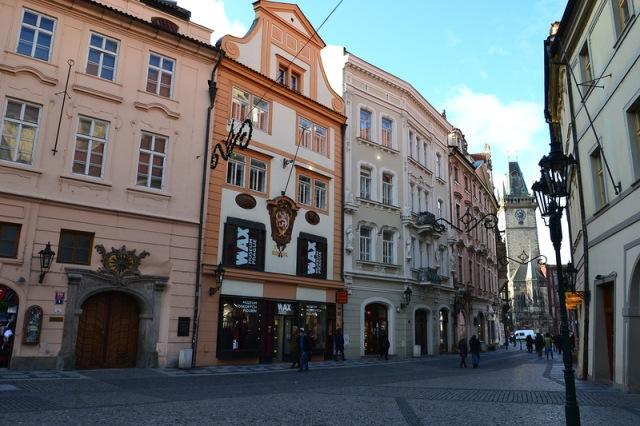 Улица Целетна (Celetná ulice) - одна из самых красивых в Праге