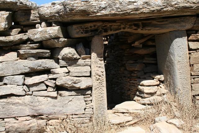 Дом Дракона на вершине горы Охи (о. Эвбея, Греция)