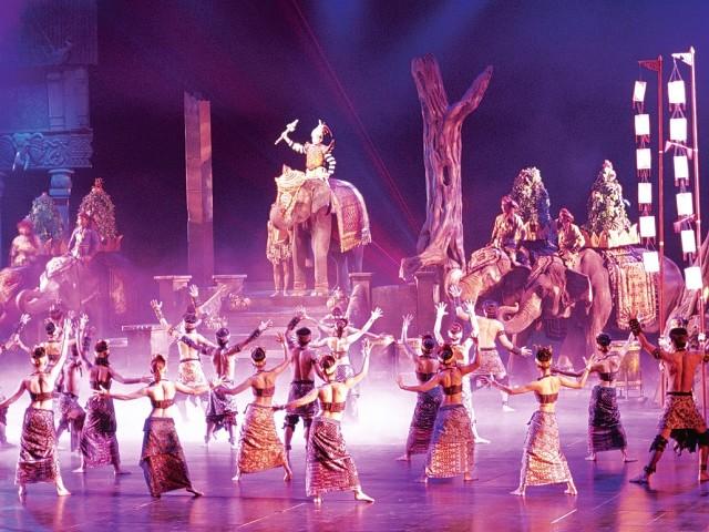Фантазия шоу на острове Пхукет