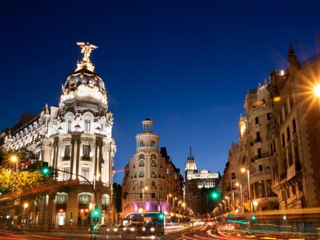 Гран-Виа - главная артерия Мадрида