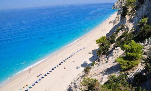 Пляж Халиаду - один из самых популярных на Эвии