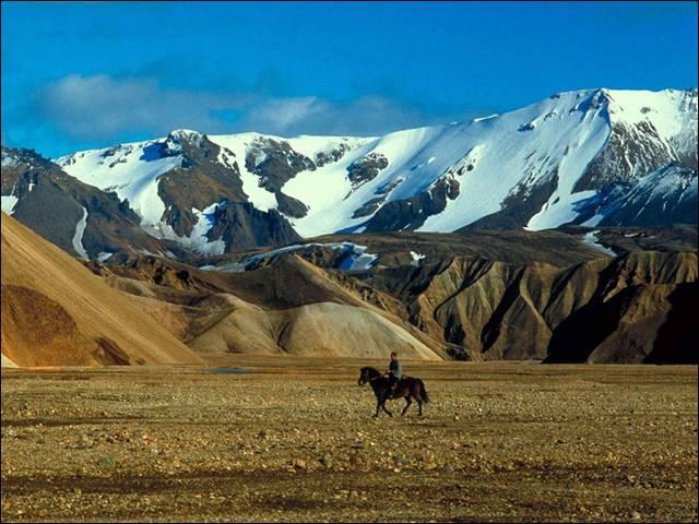 По Исландии круто путешествовать в одиночестве