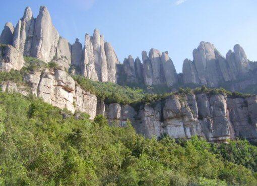 Гора Монтсеррат в Каталонии (Испания)
