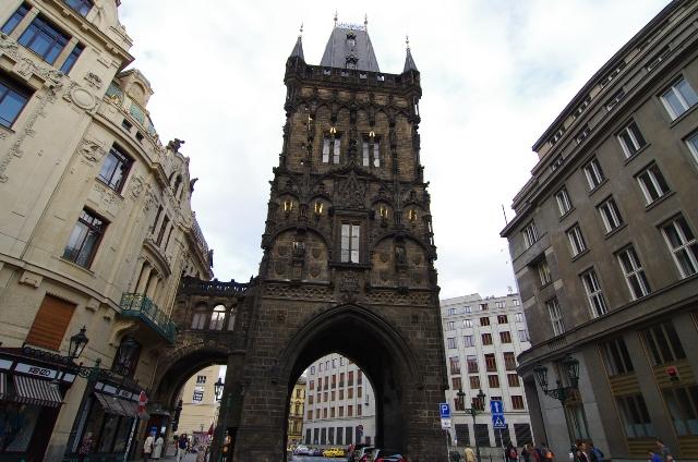Пороховые ворота в Праге.