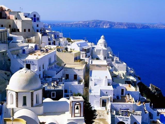 Санторини - один из самых красивых островов Греции