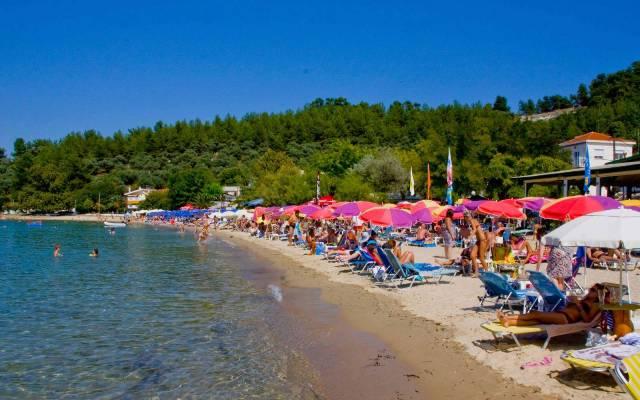 Песчаные пляжи Тасоса оптимальны для пляжного отдыха с детьми