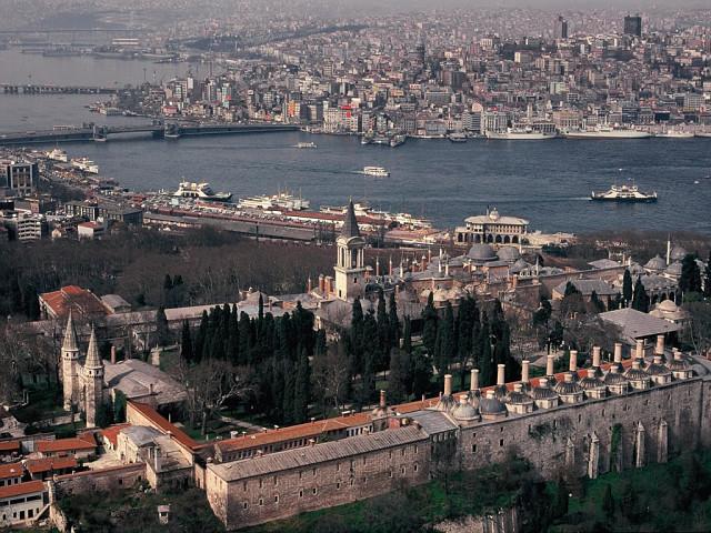 Дворец Топкапы - одна из главных достопримечательностей Стамбула