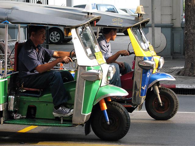 Тук тук - основное средство передвижения в тайских городах