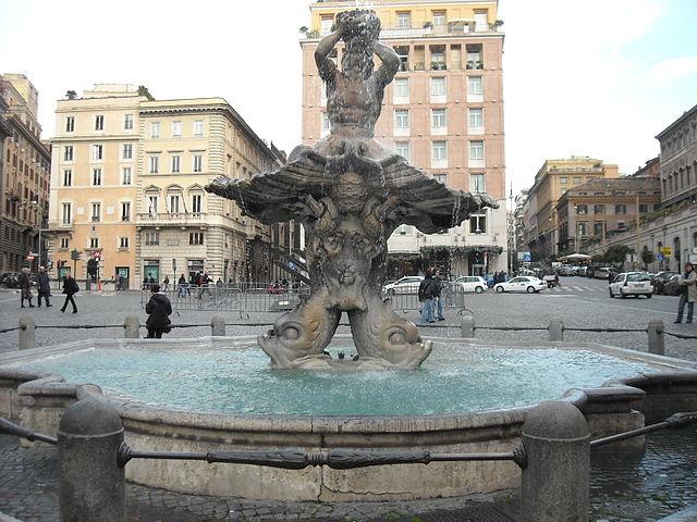 Фонтан Тритона в Риме (Fontana del Tritone)