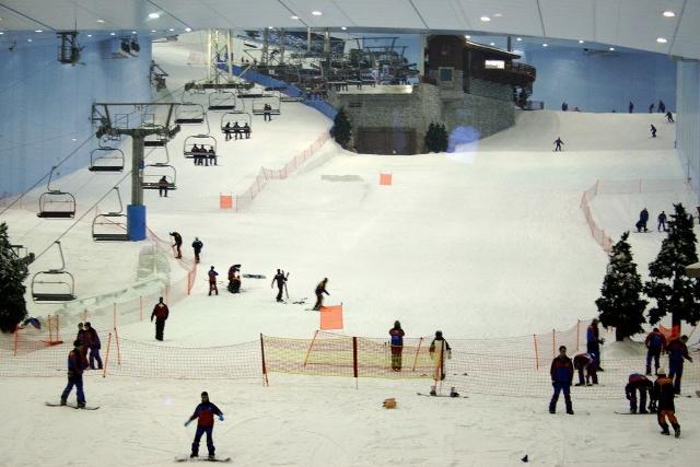 Горнолыжный комплекс Ski Dubai подарок для любителей снега посреди пустыни