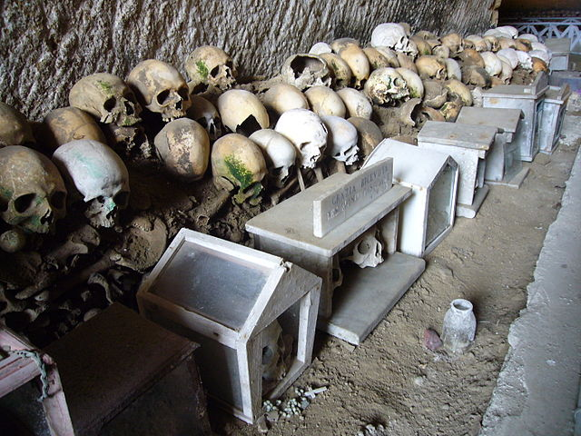 Уникальное кладбище Фонтанелле в Неаполе