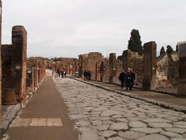 Одна из улиц разрушенного Помпеи