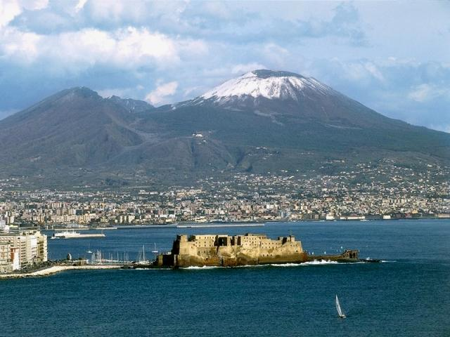 Вулкан Везувий (Vesuvio) Неаполь Италия
