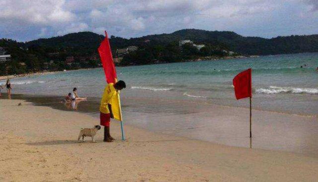 Красные флаги на пляжах Пхукета