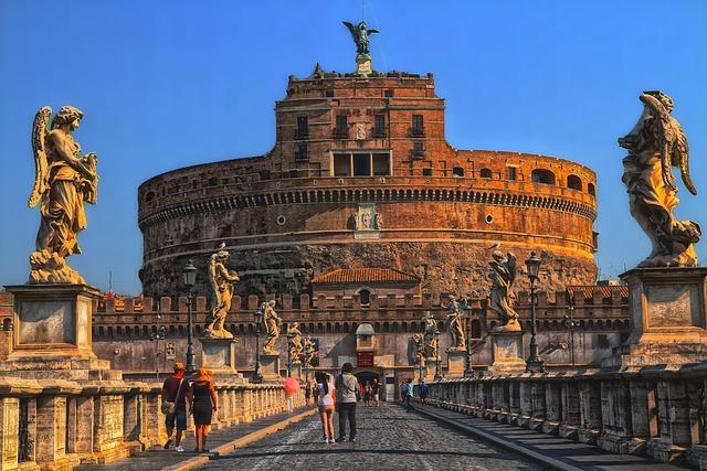 Вход в Замок СВ. Ангела (Рим, Италия)