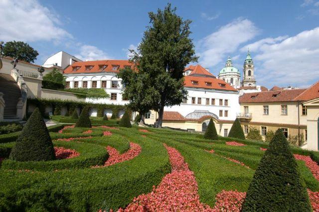 Вртбовский сад в Праге Чехия