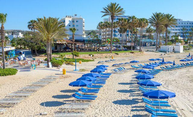 Пляж отеля Pavlo Napa Beach Hotel