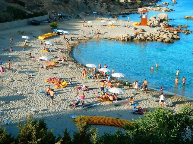 Пляж Коннос Бей в Протарасе