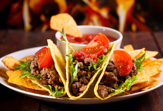 Мексиканская кухня в ресторане Сомбреро