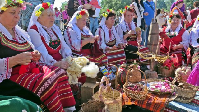 Фестиваль роз в Болгарии
