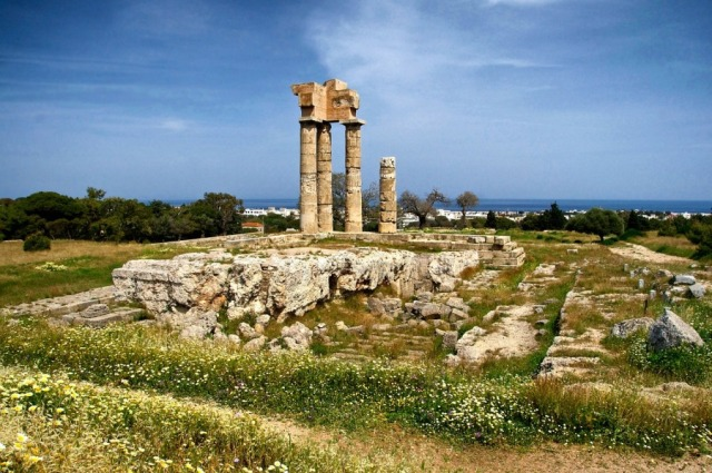Развалина храма Аполона на Родосе