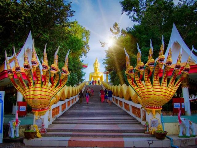 Статуя Золотого Будды в Паттайе