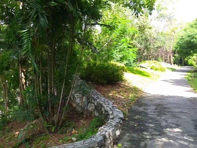 Chaloem Phrakiat Park Паттайя