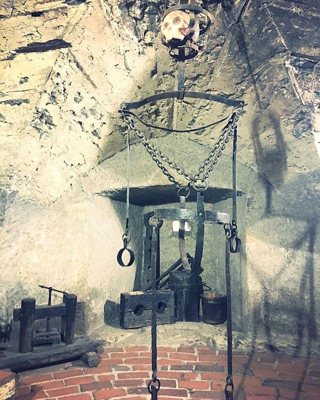 Пыточная комната в башне