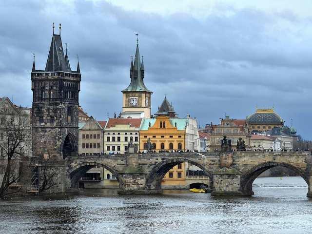 Карлов мост - жемчужина Праги