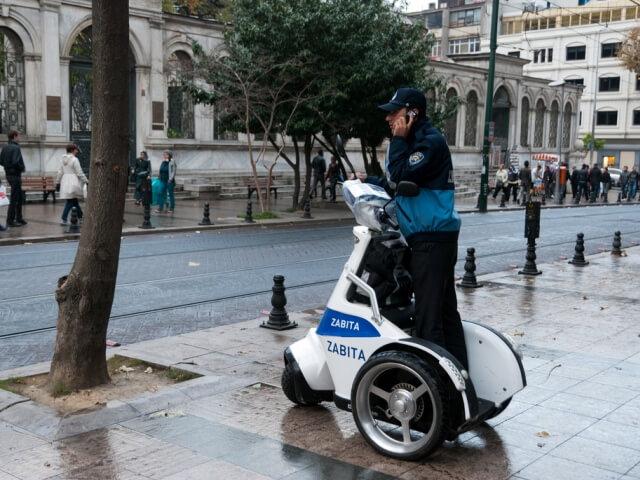 Туристическая полиция в Стамбуле