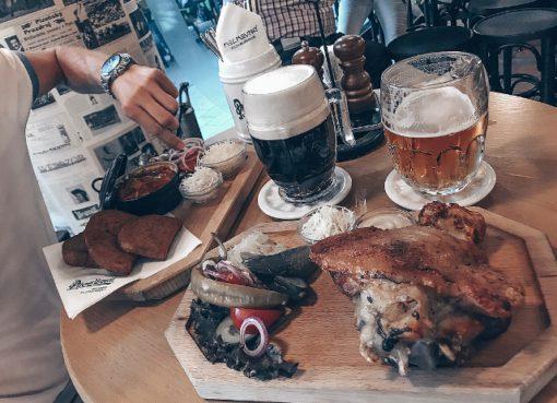Национальная кухня в пражском ресторане