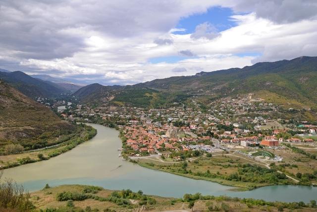 Слияние рек Арагви и Куры рядом с древней Мцхетой