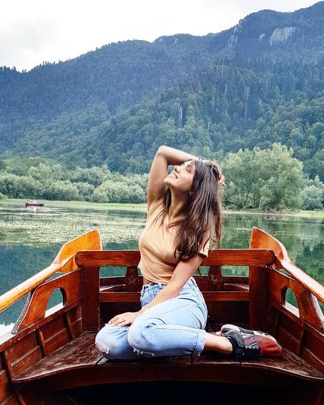 Прокат лодок на Биоградском озере