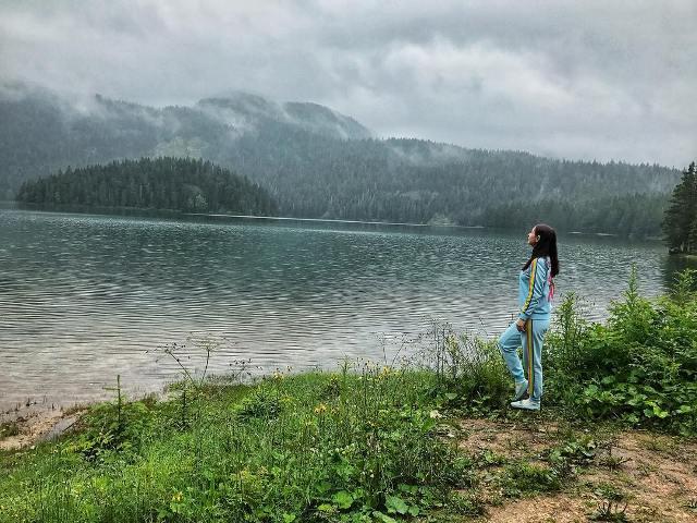 фотосессия на берегу Черного озера