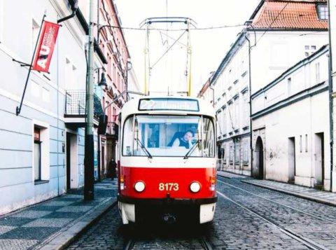 Трамвай в старой Праге