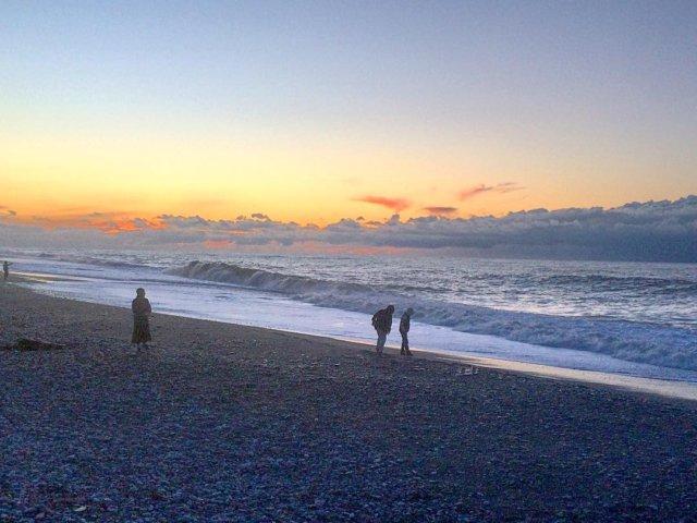 Зимние прогулки вдоль Черного моря в Батуми.