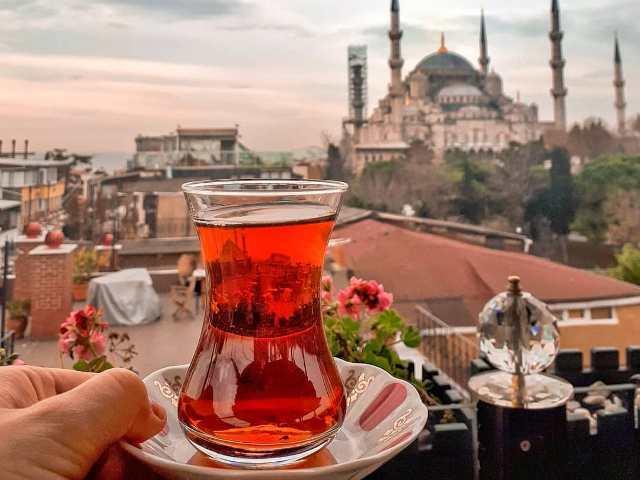 Турецкий чай в Стамбуле