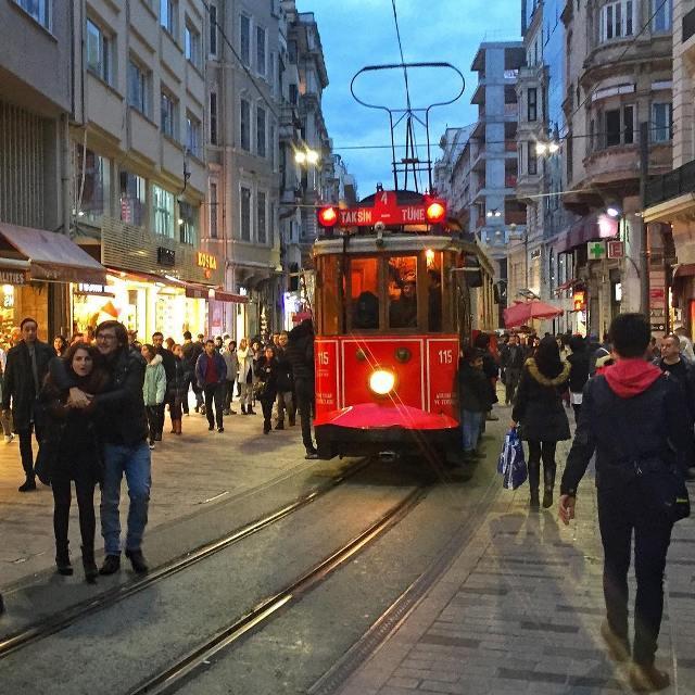 Улица Иссикляль, Стамбул