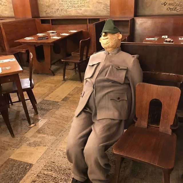 Швейк в ресторане У Калиха