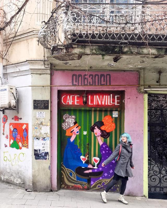 Вход в кафе Linville