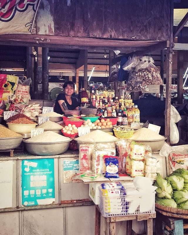 Рис и другие продукты на рынке