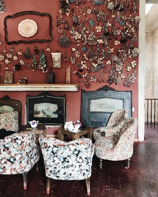 Pur Pur - одно из самых лучших кафе в Тбилиси для фотосессии