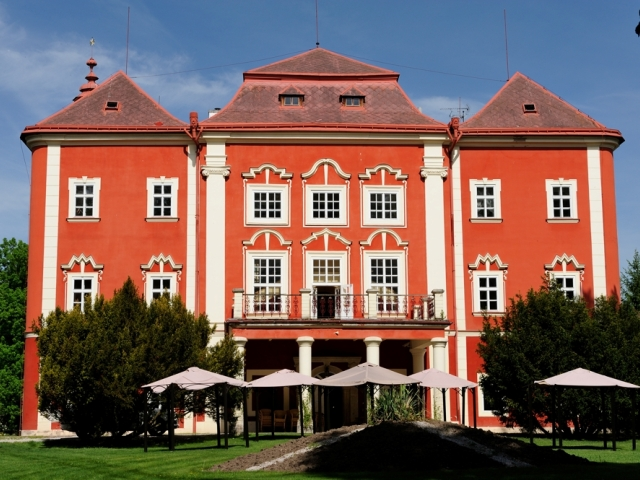 Замок Dětenice Чехия