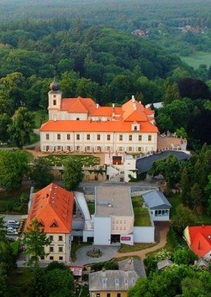 Замок Лоучень (Zámek Loučeň)