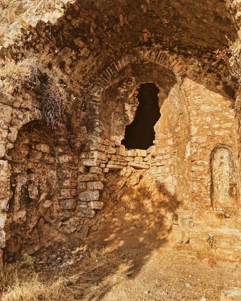 Скальный монастырь Аф Куле (Af Kule)
